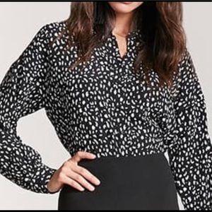 Women's Forever 21 leopard print crop blouse L